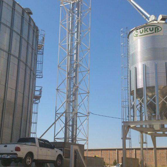 silos marca sukup instalados por syb schmitt
