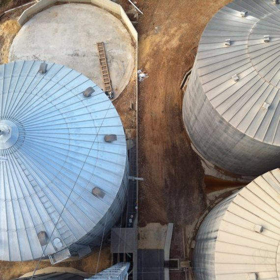 vista aerea de silos instalados por syb schmitt