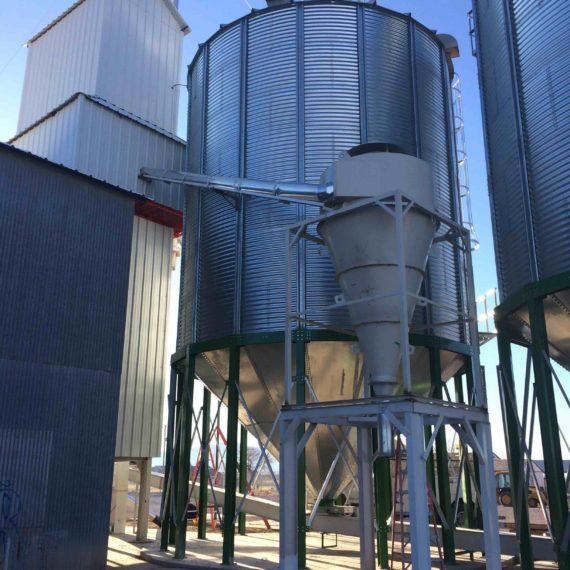 silos con tolva por syb schmitt